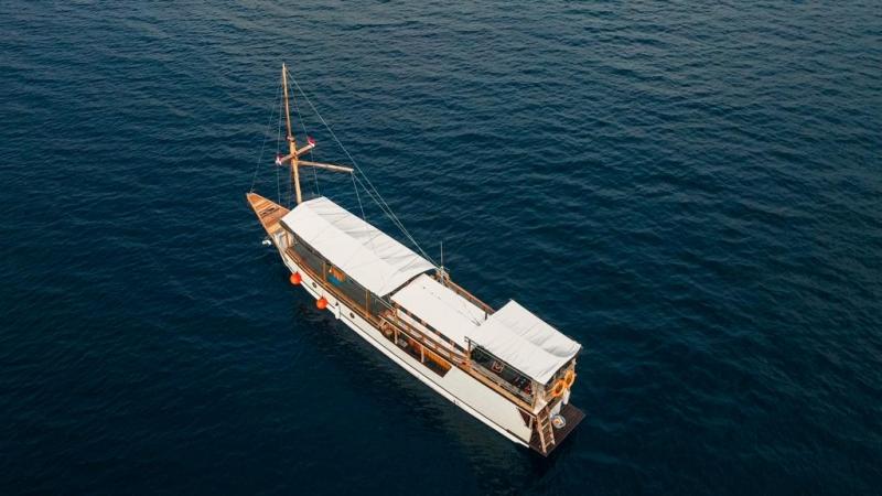 Komodoku Boat - Standard AC Boat image
